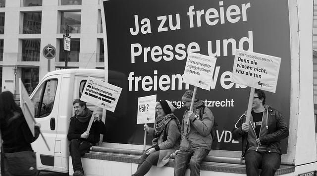 """""""Abmahnwache Leistungsschutzrecht 01.03.2013"""" by Digitale Gesellschaft on Flickr (CC BY Share-alike)"""